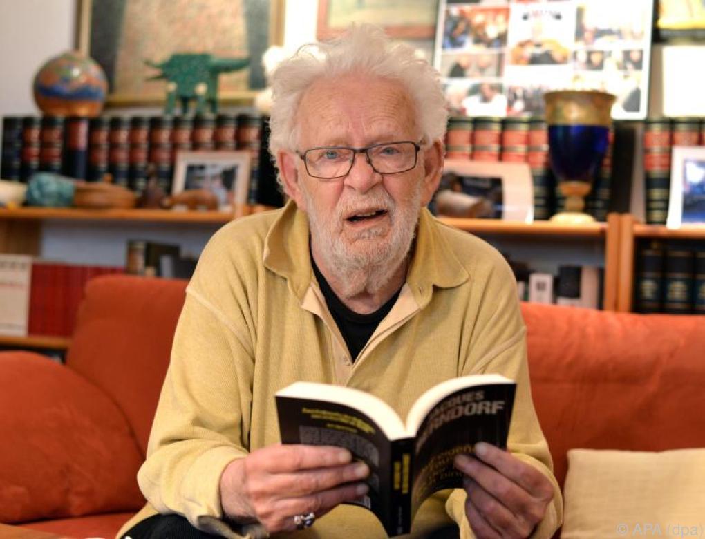 Eifelkrimi-Guru Jacques Berndorf wird 80