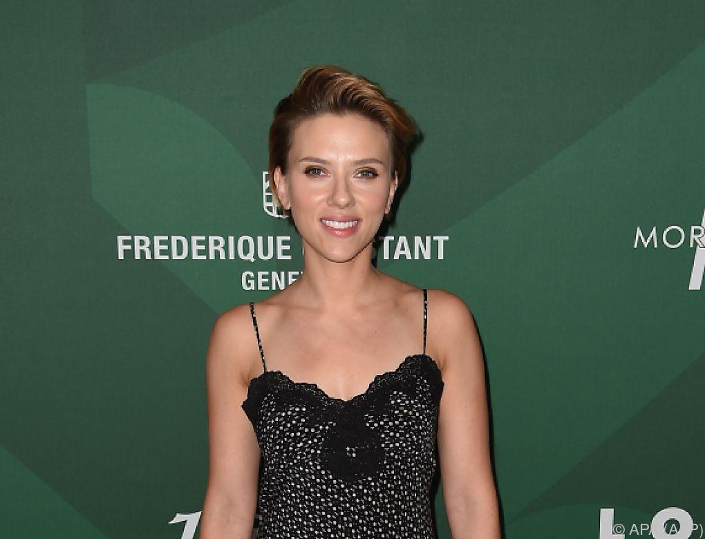 Gedrängel vor Scarlett Johanssons Popcorn-Geschäft in Paris