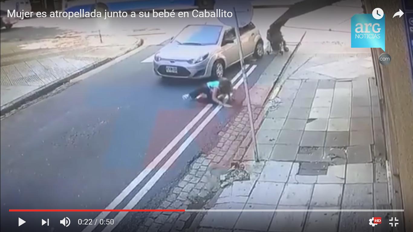 ARG Noticias/Mujer es atropellada junto a su bebé en Caballito