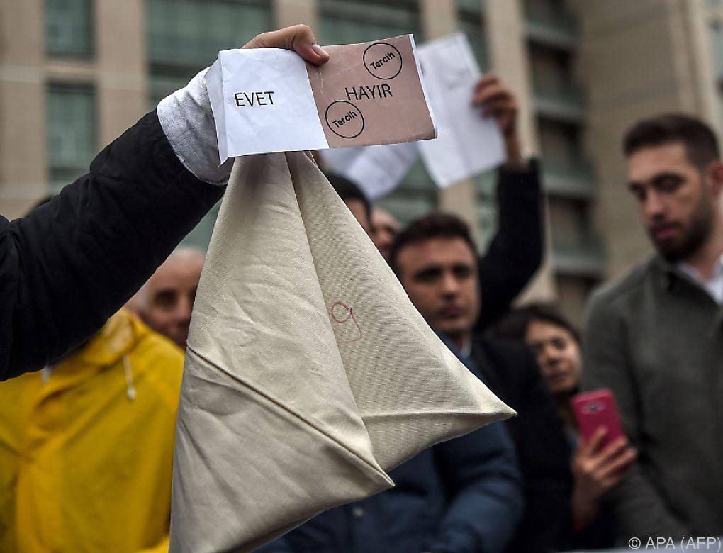 Türkische Opposition kämpft gegen Referendum
