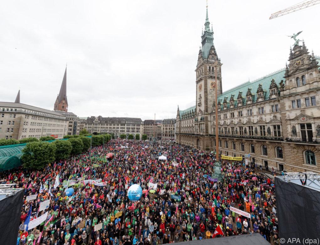 Rund 10.000 Menschen bei Anti-G-20-Demo in Hamburg