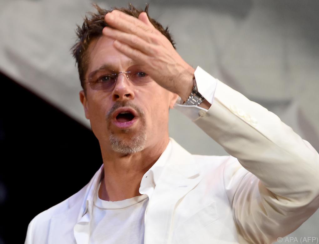 Brad Pitt zu Zahlung an französische Künstlerin verurteilt