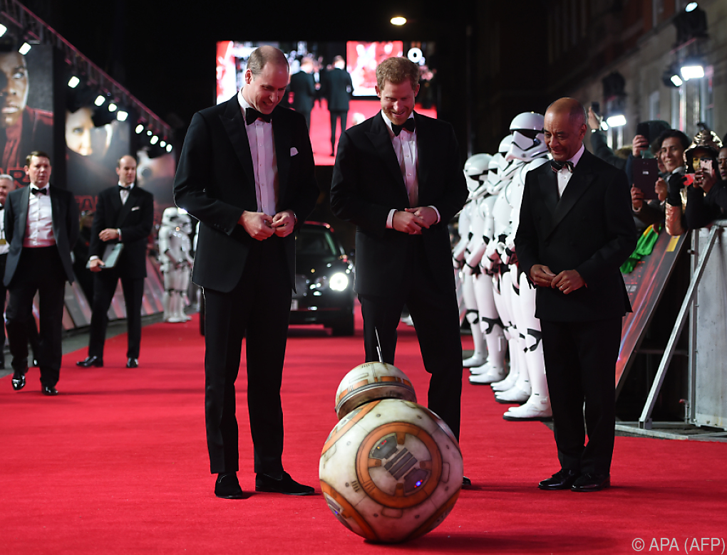 """Britische Prinzen bei London-Premiere von neuem """"Star Wars"""""""