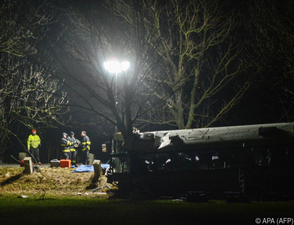 Mindestens drei Tote und 45 Verletzte bei Busunfall in Prag