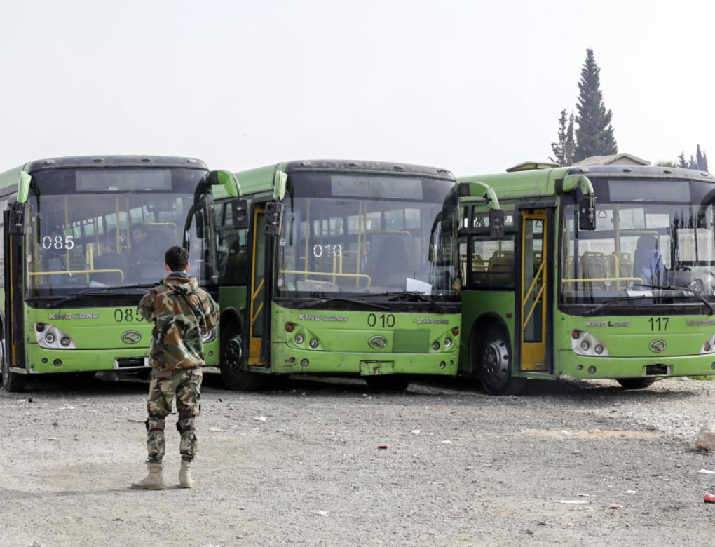 Kurden sitzen in Afrin fest, Zivilisten verlassen Ost-Ghouta