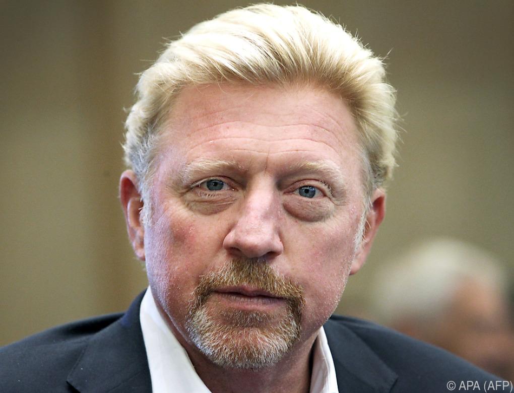 Pokale von Boris Becker für Auktion in London ausgestellt