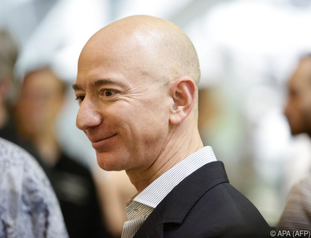 Jeff Bezos baut Status als reichster Mensch der Welt aus