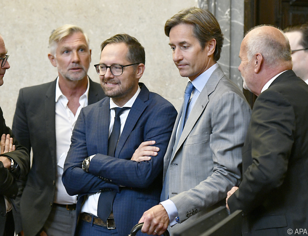 Grasser-Prozess: Ex-Minister mit Widersprüchen konfrontiert
