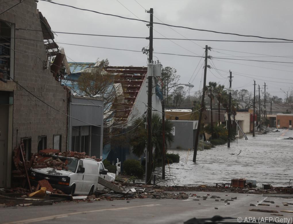 """Hurrikan """"Michael"""" hinterließ """"unglaubliche Zerstörung"""""""