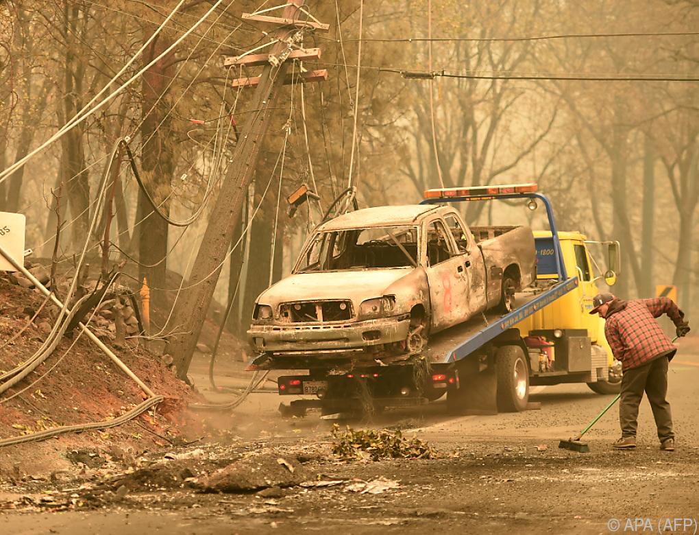 Mindestens 44 Tote bei Waldbränden in Kalifornien