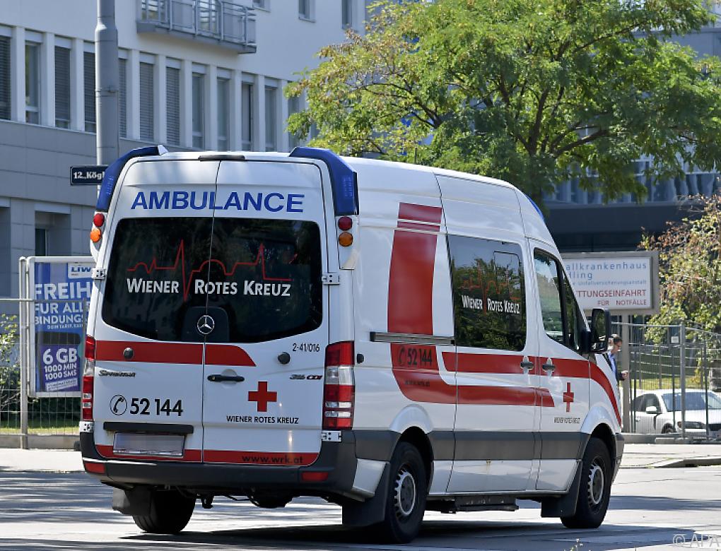 Messerstiche vor Club in Wien-Liesing – Zwei Schwerverletzte