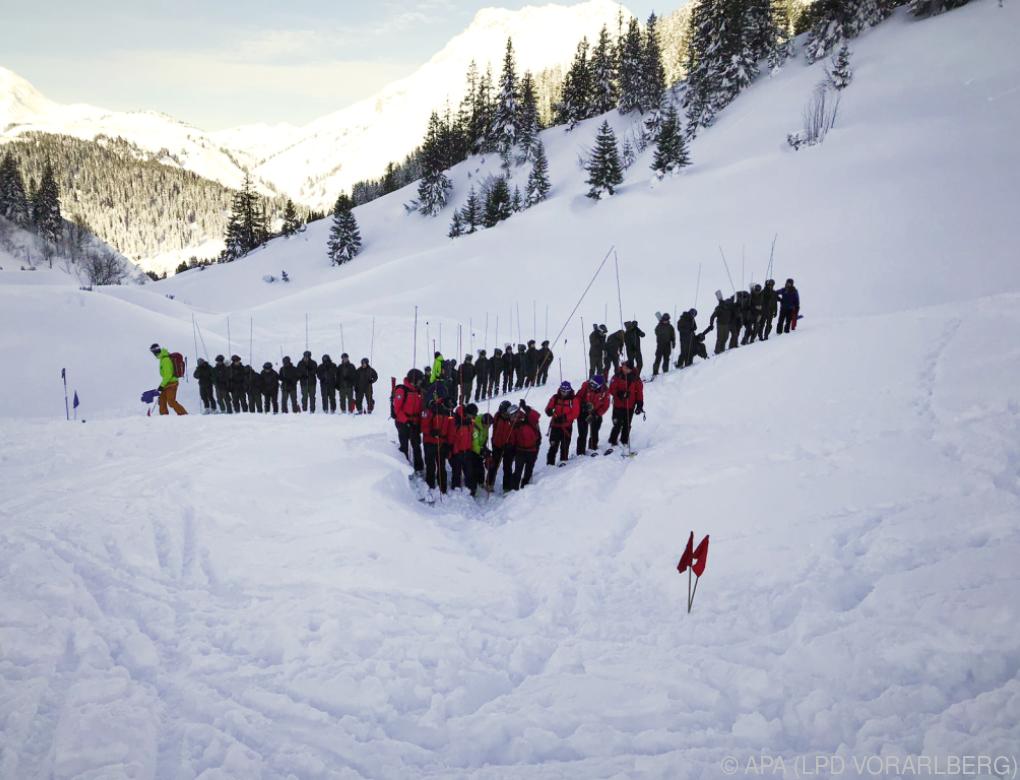 Lawinentote in Vorarlberg und Niederösterreich
