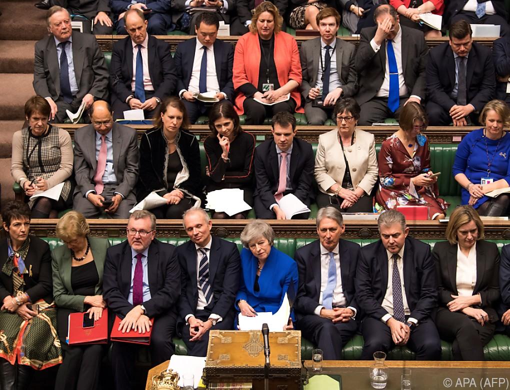 May gewann Vertrauensabstimmung und hält an EU-Austritt fest