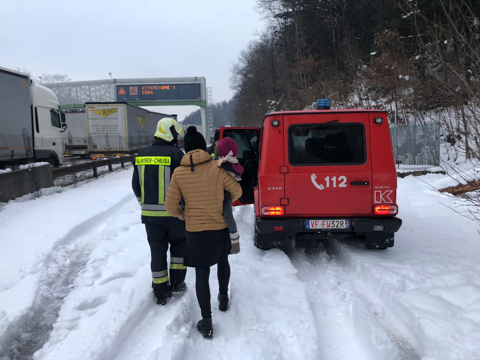 Schneechaos in den Alpen:200 Menschen von Brenner-Autobahn gerettet
