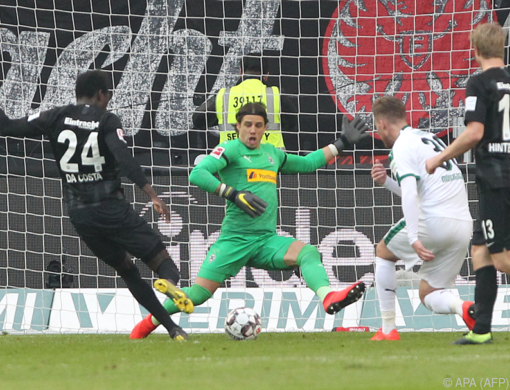 1:1 bei Frankfurt gegen Gladbach – Sieg für Leverkusen