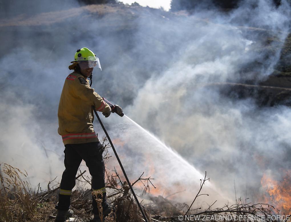 Neuseelands Feuerwehr vor wochenlangem Kampf gegen Waldbrand
