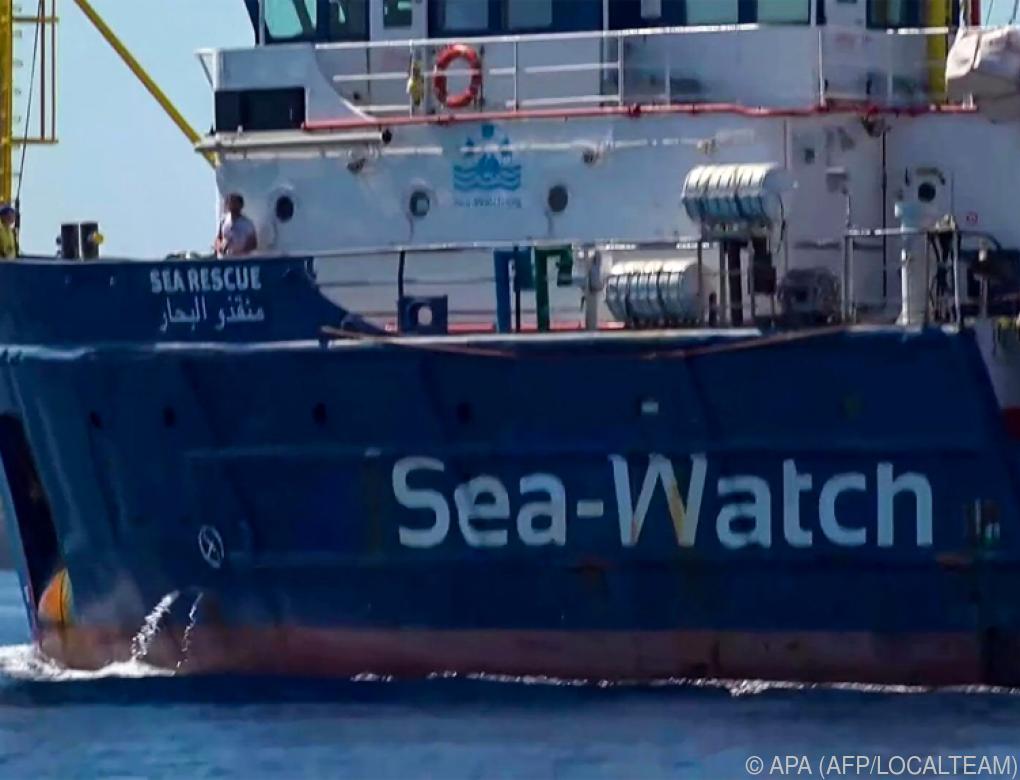 """""""Sea-Watch 3"""" vor Hafen von Lampedusa von Polizei gestoppt"""
