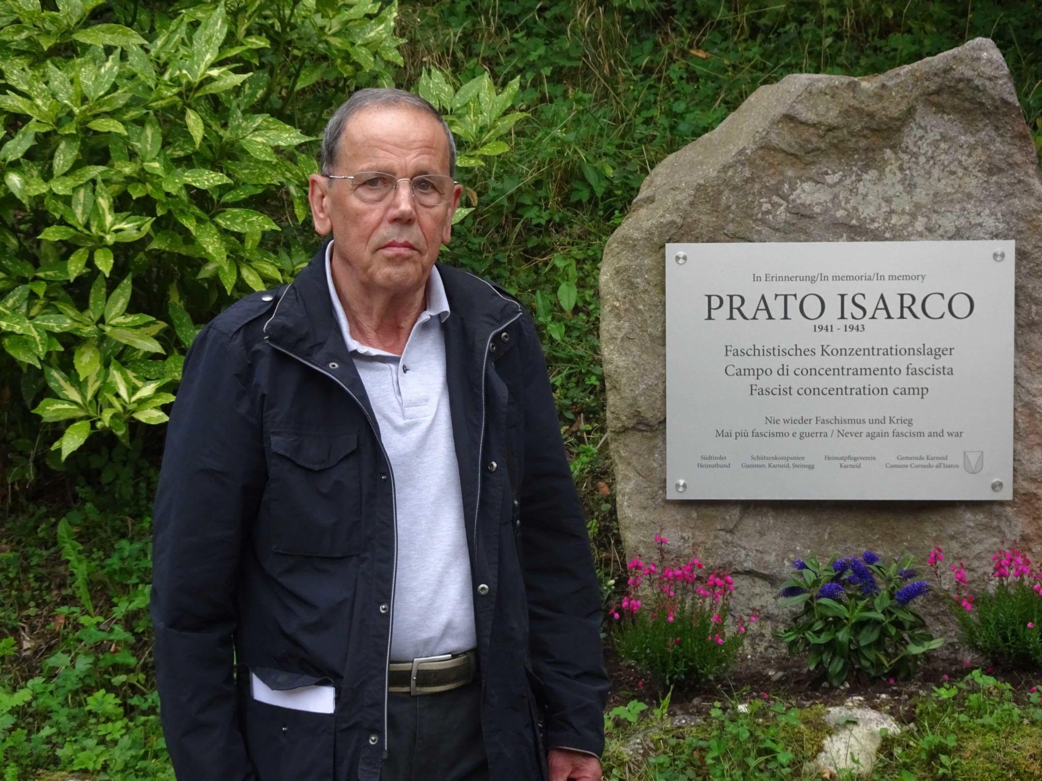 Giuseppe Matuella am Gedenkstein