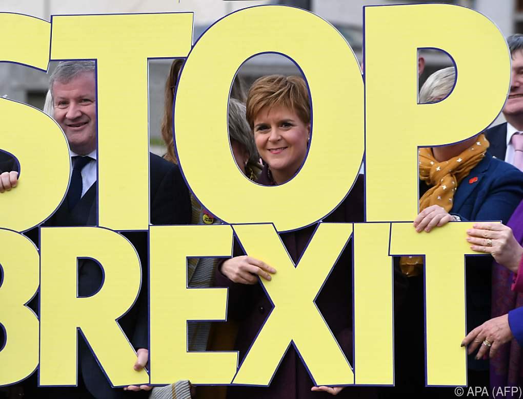 Vor Wahl: Sturgeon appelliert an schottische Brexit-Gegner