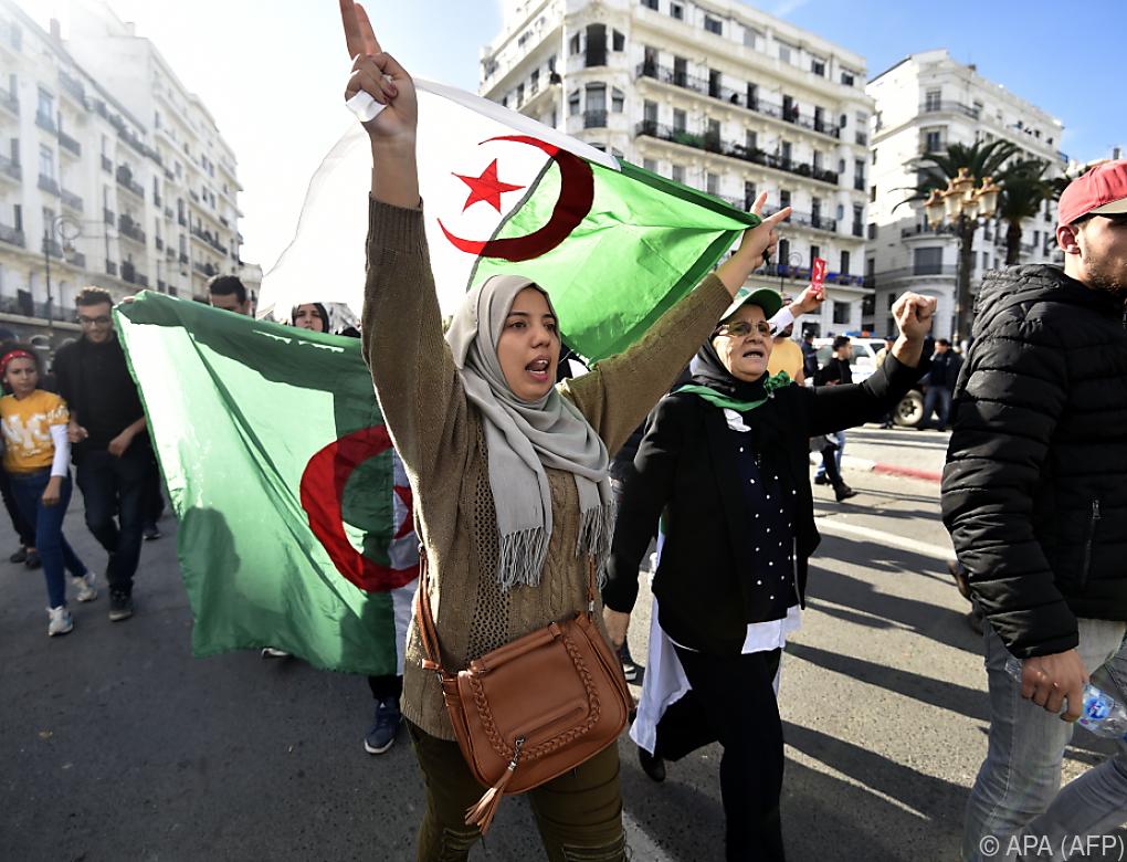 Massenproteste begleiten Präsidentenwahl in Algerien